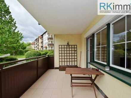 Grünruhelage gepflegte Eigentumswohnung mit Tiefgarage und Balkon !