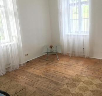 Landhaus-Wohnung in Grün-Ruhelage