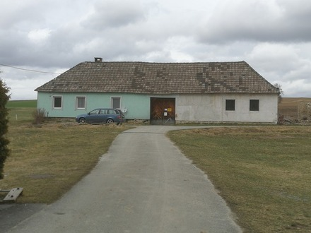 Alter Bauernhof Teil saniert 3 min zum Badesee