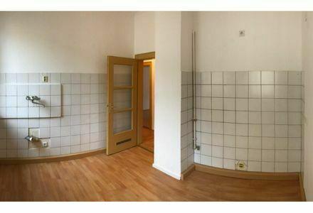 Ideal für Selbstbezug oder Kapitalanlage, freistehende 2 Zimmer-Wohnung in Nürnberg Steinbühl