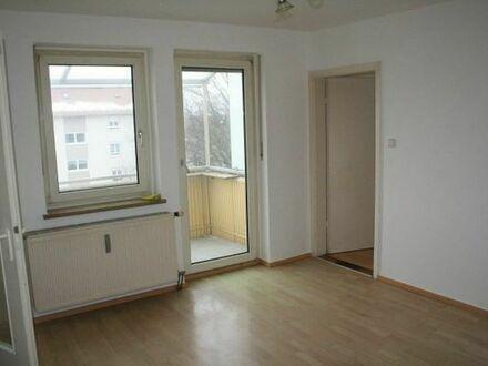 Schöne, helle zwei Zimmer Wohnung mit Balkon in Augsburg, Haunstetten