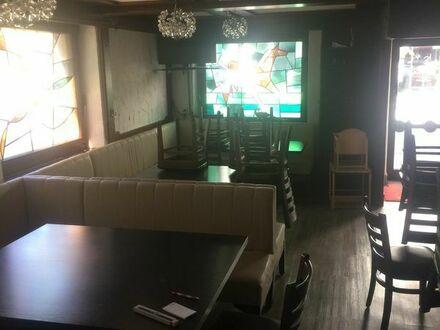 Gastronomie Eck Sofa und dazu passende Tisch und Stühle