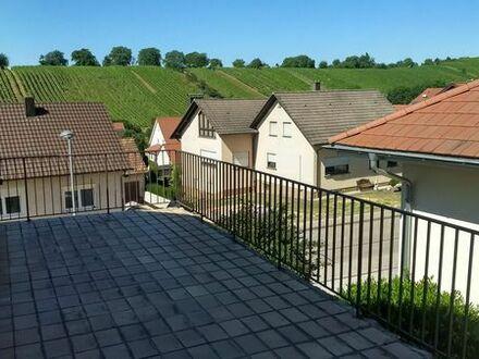 Helles Zimmer mit Terrasse in 3er WG mit EBK in Sulzfeld