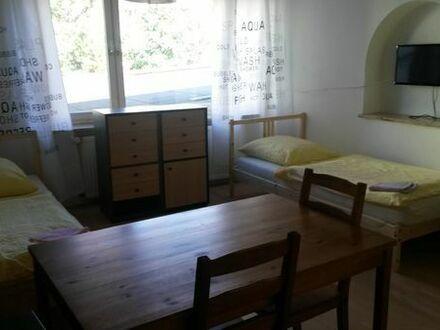 Biete Einzelzimmer bis Vierbettzimmer Wohnungssuchende oder Monteure sofort Augsburg