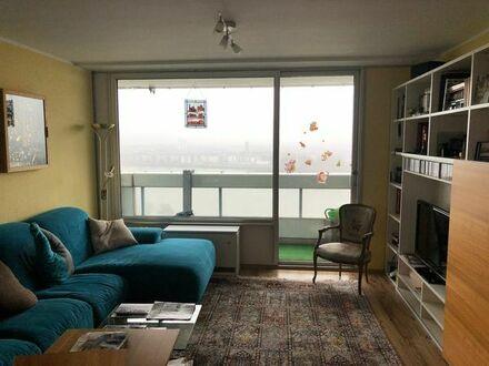 3-Zimmer-Wohnung (86 qm) im Coloniahaus mit traumhaftem Rheinblick und Einbauküche