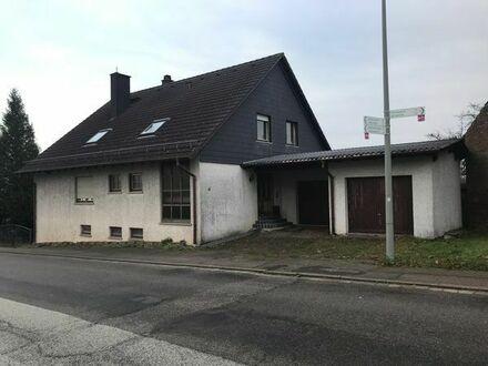 Zweifamilienhaus mit Einliegerwohnung & Doppelgarage