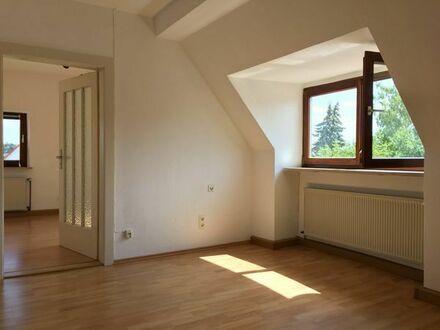 Helle 3 Zimmer Wohnung in zentraler Lage - geeignet für 2er WG