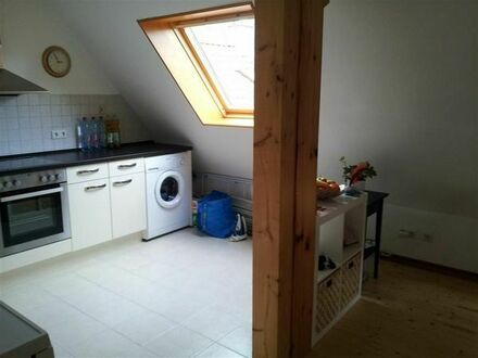 Schöne, helle 1- Zimmer DG-Single-Wohnung Göppingen Stadtmitte