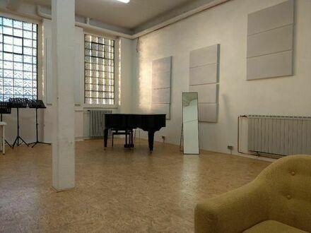 Biete schönen, hellen Studioraum zur Untermiete