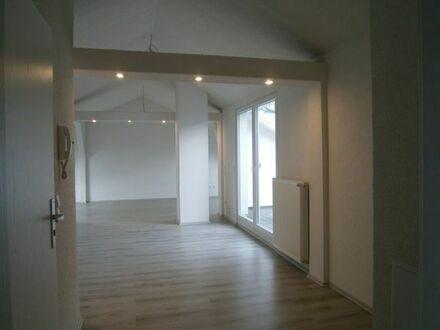 Neue großzügige 2 Zi- Dachterrassenwohnung mit schöner Aussicht