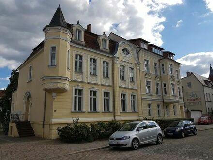 Bild_Helle, ruhige und sanierte 2-Zimmer-Wohnung mit Terrasse und Kachelofen in Rathenow