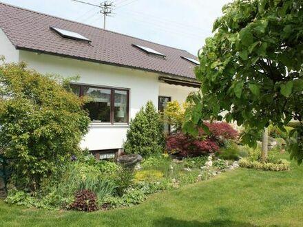 gepflegtes Einfamilienhaus mit wunderschönem Garten -provisionsfrei-