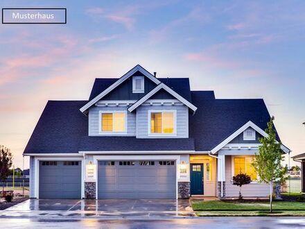 Einfamilienhaus mit Doppelgarage (Zwangsversteigerung)