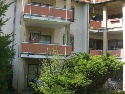 PROVISIONFREI zur Eigennutzung / Kapitalanlage: Schöne 2,5 Zimmer-ETW mit Garten u. Einzel-Garage