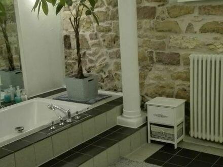 Schöne lichtdurchflutete 2 Zimmer Wohnung in Grosskarlbach, attraktive, ruhige Lage