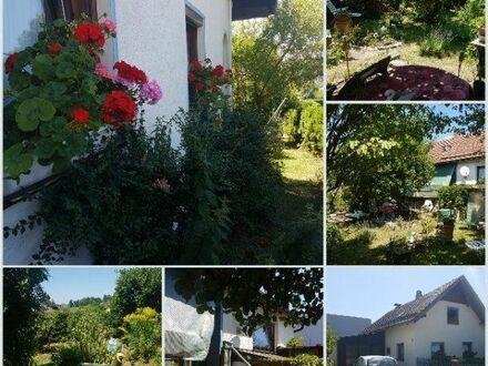Bayer. Wald: Kleines Häuschen mit wildromantischen Garten