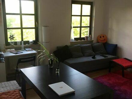 2-Zimmer Wohnung möbliert zur Zwischenmiete in zentraler Lage (45qm)