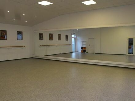 Tanzstudio mit Spiegelwand, Übungsraum in Eitorf zu vermieten, gesamt 120 qm