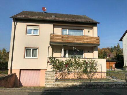 2 Familien Wohnhaus mit grossem Garten ca. 700qm Grundstück freistehend, EG Bad Rollstuhlgerecht