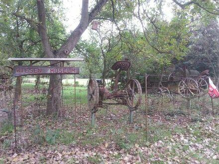Su. Garten- Landwirtschafts- Acker- Wald- Fläche Areal Grundstück