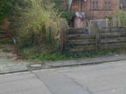 Älteres Haus mit Einliegerwohnung