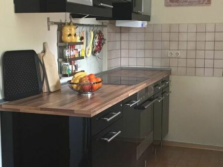 Traumhafte 3-Zimmer Garten-Wohnung, neu möbliert mit luxuriöser Einbauküche zur Zwischenmiete