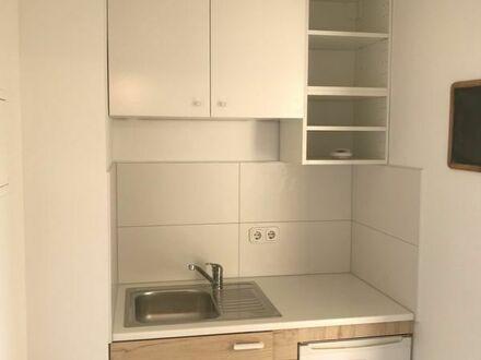 Ludwigshafen: 1 Zimmer-App. mit Küche, zentrale Lage, teilmöbliert