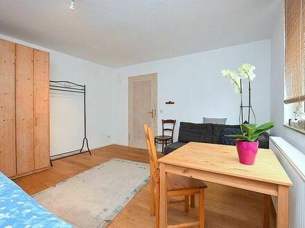 Schönes, helles Zimmer ab 1.9. in Bad Cannstatt