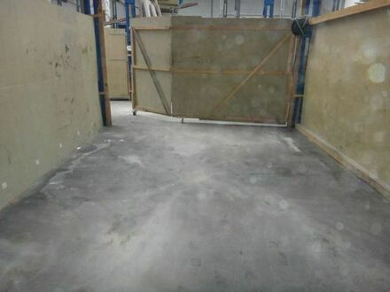 Hallenfläche mit Büroflächen zu Vermieten. Ca 56 m² Halle 25m² Büro