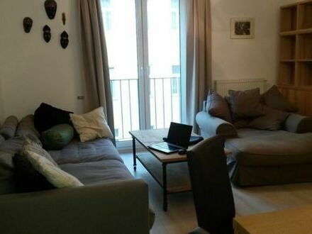 top sanierte und ausgestattete geräumige 2-Zimmer-Wohnung in Superlage!