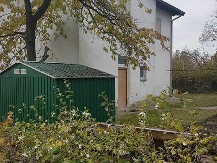 Baugrundstück im Ortskern Uttenreuth mit Altbestand