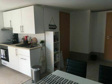 2 Zi-Wohnung an WE-Heimfahrer/in bzw. Referendar/in etc. zu vermieten