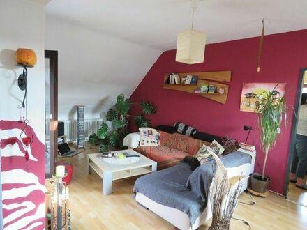 Große Dachgeschosswohnung + seperates Appartment im 3-Familienhaus