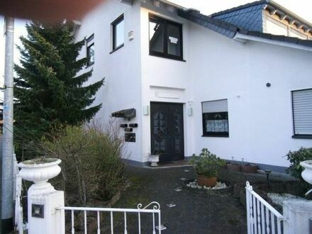 2 oder 3 Familienhaus mit vielen Möglichkeiten in bester Wohnlage