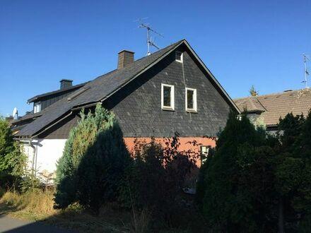 Ab ins eigene Haus, schöne Doppelhaushälfte in Ludwigsstadt-Lauenhain, Handwerker Aufgepasst !