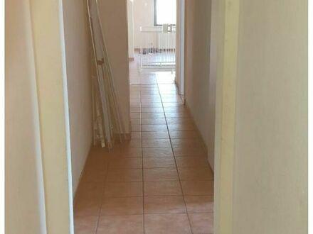 ***MA-Rheinau 4 Zimmer Wohnung in Erdgeschoss mit EBK Doppelstöckig ***