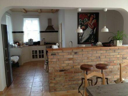 Exklusives vollmöbliertes Loft (72 qm) mit Wintergarten, Terrasse und Garten