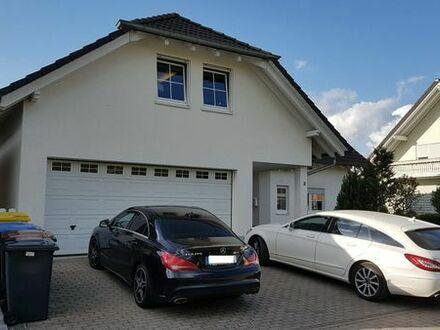Modernes und geräumiges Ein-/Zweifamilienhaus