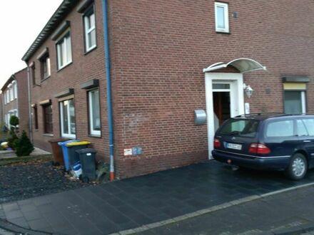 Für Familie, Eckhaus mit 6 Zi. in Elmpt