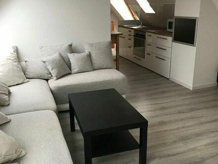 2-Zi-Dachgeschoss Wohnung, gemütlich und vollmöbliert.