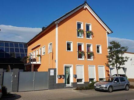 Voll ausgestattete möbelierte Passivhaus-DG-Etagen-Wohnung für Kurzfrist ... oder auch länger