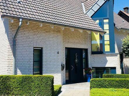Schickes, freist. Einfamilienhaus mit hochwertiger Ausstattung und Garage