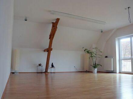 Wunderschön heller Meditations- /Yogaraum und Seminarraum
