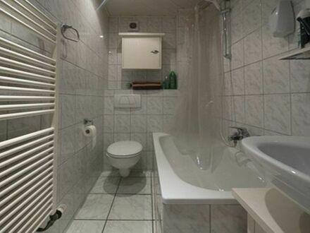 3 Raum Sonnige Whg. mit EBK/Dachterrasse/Gasheizung / Niederfeldsee/ Uni