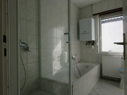 Schöne helle 4 Zimmerwohnung in Hettenleidelheim ab 01.11 zu vermieten