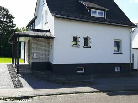 Einfamilienhaus kompl. saniert mit Garten, ruhige Lage in Kastellaun zu vermieten