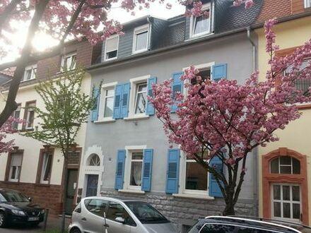2 ZKB EG gr. Balkon 3-Fam. Haus