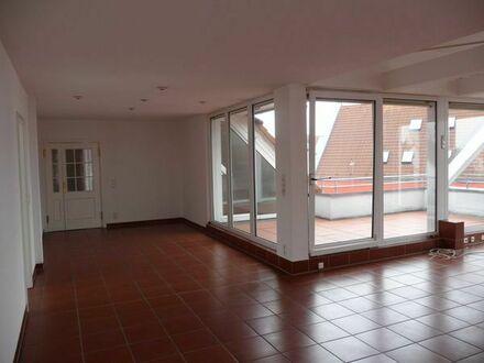Großzügige 4-Zimmer-Dachgeschosswohnung