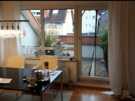 wunderschöne helle 2,5 Zimmer Wohnung