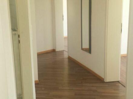 große gutgeschnittene 3 Zimmer Wohnung Pforzheim City
